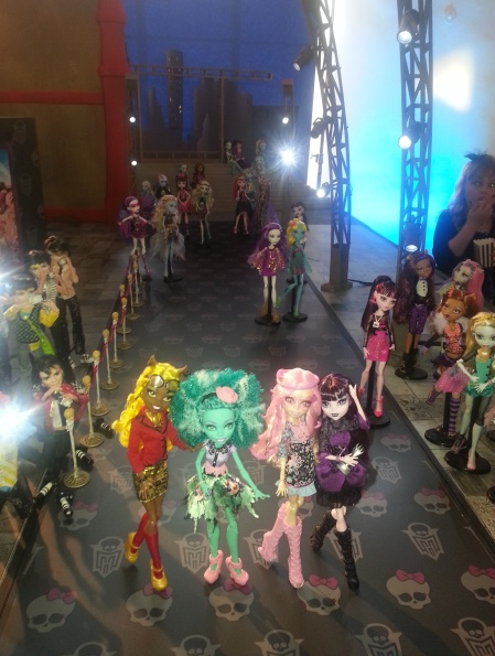 SCENERY AT MONSTER HIGH PREMIERE