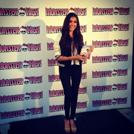 MADISON BEER ON THE BLACK CARPET AT THE MONSTER HIGH PREMIERE ON MARCH 15, 2014